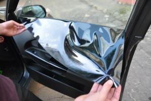 Размер штрафа за привышении нормы затемнения стекол автомобиля.
