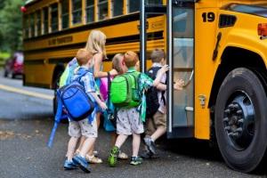 Груповые перевозки детей в автобусе.