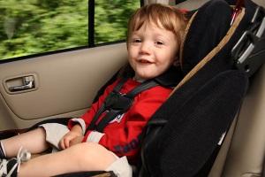 Правила перевозки детей в машине.